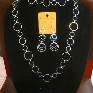 NWT Costume Silver Necklace and Earings